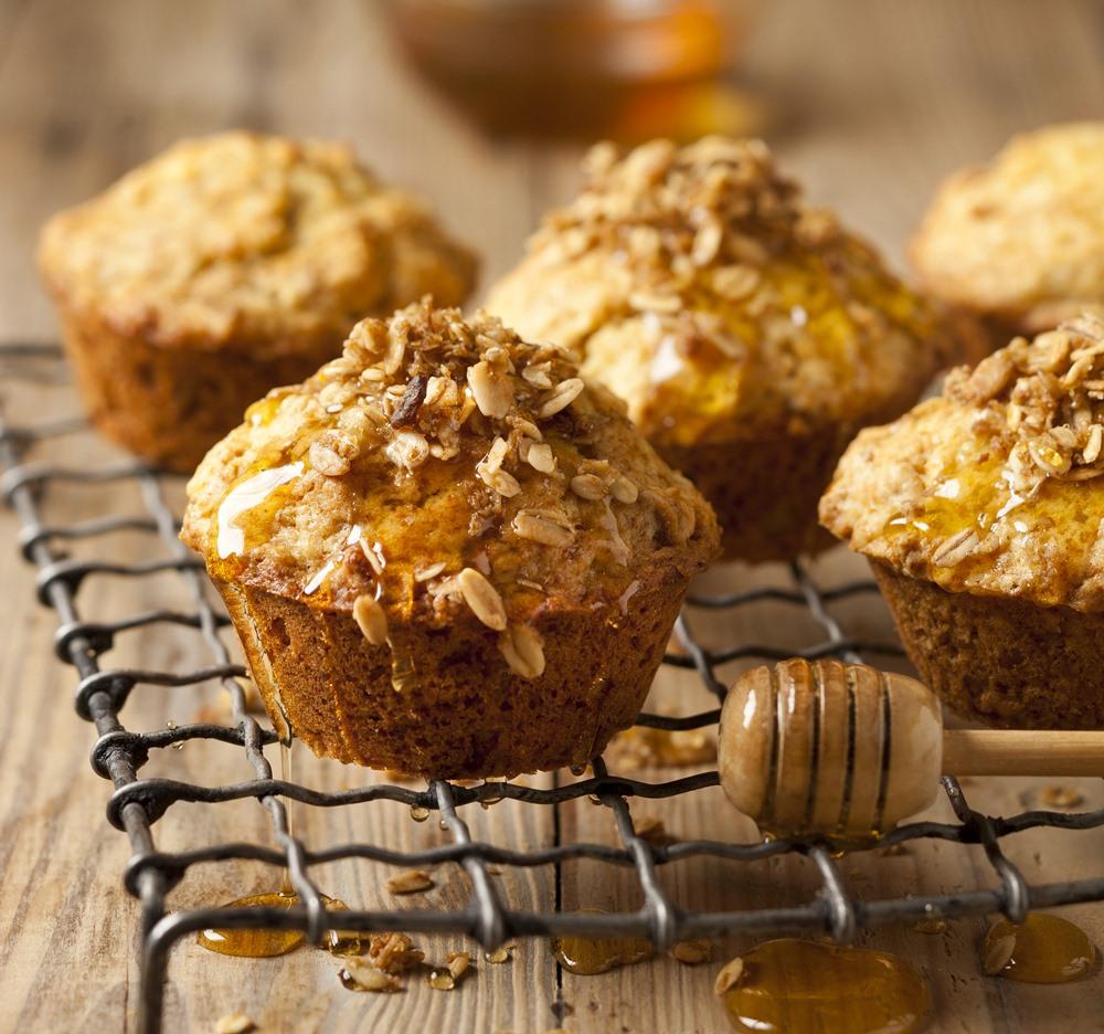 Muesli, yoghurt & honey muffins